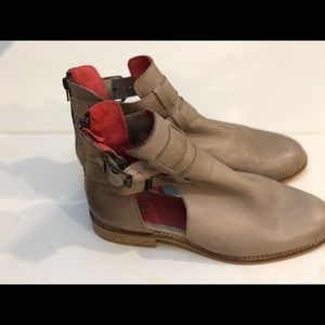Musse and Cloud double buckle booties zipper back